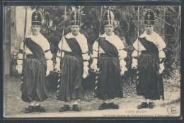 - CPA 87 - Saint-Junien, les Suisses Gardes du tombeau pendant l'Ostention