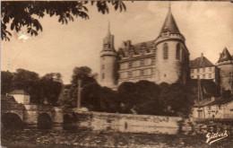 Cpa  LA ROCHEFOUCAULD, Charente, Le  Château Et La Tardoire   (43.90) - Châteaux