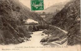 ITXASSOU LES GORGES DU PAS-DE-ROLAND PASSAGE DU TRAIN - Itxassou