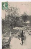 CHEZY (SUR MARNE) LE PATIS (FEMME AVEC OMBRELLE ET CHIEN) - Other Municipalities