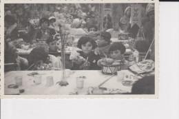 CPSM PHOTO SUPERBE  GROUPE D  ENFANTS JOUANT LORS D UNE FETE TAMBOUR  NON LOCALISEE - Fotografia