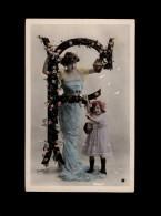 ALPHABETS - Lettre F - Photo De STEBBING - Femme Et Enfant - Fantaisies