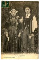 CPA 56 Morbihan Folklore Costume Mariés De Pontivy - Costumi