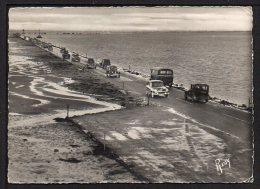 CPSM Gf .Dépt .85. ILE DE NOIRMOUTIER. Passage Du GOIS. (Voitures) - Ile De Noirmoutier