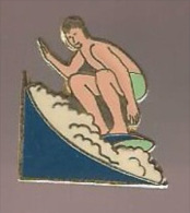 37394-Pin's.Surf.. - Water-skiing