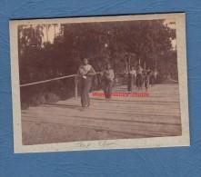 Photo Ancienne Début Ou Avant 1900 - DAP CHAN - Groupe Ethnique à Identifier - Indochine - Cambodge Ou Viet Nam - Trains