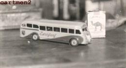 CARTE PHOTO AUTOBUS JOUET EN TÔLE MECANIQUE BICOLORE 1959 EXPOSITION JEU JOUET TOY Dinky Toys JEP NOREV MINALUXE SCHUCO - Voitures, Camions, Bus
