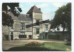CPM - Coulonges Sur L'Autize - Le Parc De L'hôtel De Ville - Coulonges-sur-l'Autize