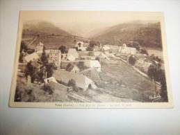 2uyf - CPA  - VEZE - Vue Prise Du Plateau - Au Fond, Le Ravin -  [15]  - Cantal - - Autres Communes