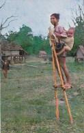 CPM Garçons Sur Pilotis En Bamboo Près De Kontum - La Maison Des Montagnards - Animée - China