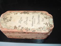 BOITE à Parfum  Carton  Vide Art Déco  ROSE YNES Parfumerie Delettrez Paris Format 125  X 60 X 65  2 Scans Parfait état - Accessoires
