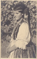 Hongrie - Carte-Photo - Femme Folklore - Cachet Photographe Veres Vörösmarty-ter 6 - Hungary