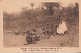 Niger:  Missionnaire Faisant Le Catéchisme Aux Lépreux.  (3651) - Niger