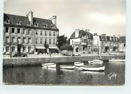PAIMPOL  - Hôtel Kerroc'h, 3 Quai Loti. - Paimpol