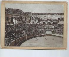 Gard.Une Corrida Dans Les Arènes De Nîmes - Lieux