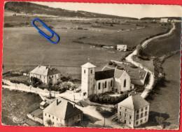 CPSM  GUYANS-VENNES (Doubs)  L'Eglise Et Son Quartier - Vue Aérienne - Altri Comuni
