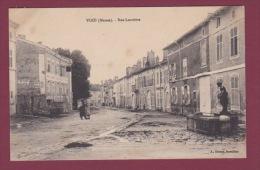 55 - 170914 - VOID - Rue Louvière - Pub CHICOREE ARLATTE CHOCOLAT MENIER - Fontaine - France
