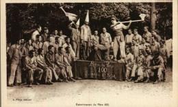 CPA - Militaria -    Enterrement Du Père 100  - Les As Du 8è B.O.A. - Régiments