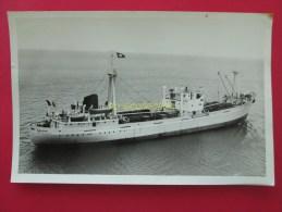 photo 11 PORT LA NOUVELLE navire CHATEAU LATOUR LE HAVRE compagnie WORMS 1955
