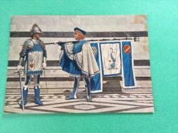 Le storiche contrade di SIENA - Duce e Paggio Maggiore dell�Onda - cartolina FG C NV