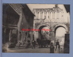 Photo Ancienne - AUTUN ( Saone Et Loire ) - Porte D' Arroux - Habitants - Attelage - 1920 / 1930 - Plaatsen