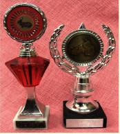 2 X Kleine Pokal Kaninchen-Zucht-Verein  -  Ca. 21 Cm Und 18 Cm Länge  -  Von Ca. 1986 - Vereinswesen