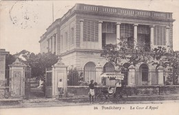 CPA INDE @ Colonie Française - PONDICHERY - La Cour D' Appel - Justice - Calèche Voiture @ Puducherry - Inde