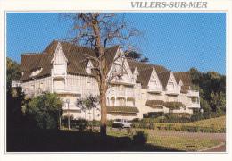 Ph-CPM Villers Sur Mer (Calvados) Les Jardins De La Côte Fleurie Renault 5 - Villers Sur Mer