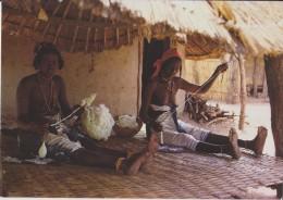 AFRIQUE,AFRICA,SENEGAL,ME TIER,FILEUSE,COTON,PHOTO RENAUDEAU,paillotte,sein Nu - Sénégal