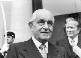 photo originale de presse  - le prince  FRA ANGELO MOJANA DI COLOGNA  grand maitre de l�ordre de malte � l��lys�e en 79
