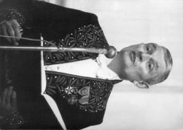 photo originale de presse  - ACADEMICIEN  - jean-jacques GAUTIER  sous la coupole en 1973