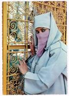 K253 Folklore - Le Maroc Pittoresque - Jeune Citadine - Ragazza Girl Frau Femme Chica / Non Viaggiata - Costumes