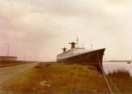 PHOTO PAQUEBOT FRANCE QUAI DE L�OUBLI LE HAVRE beau plan 1976