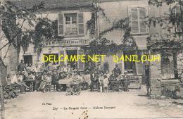 77 // BY   La Grande Cour, Maison Bernard,   CAFE RESTAURANT DE LA POSTE      ANIMEE - Autres Communes