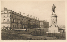 U.K. - CAPT. COOK MEMORIAL AND NORTH TERRACE, WHITBY - By HORNE & SON Ltd., - Whitby