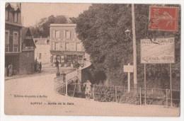 AUFFAY - Sortie De La Gare - Auffay