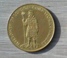 H.M. TOWER OF LONDON CHIEF YEOMAN WARDER TOUR DE LONDRES - Royaume-Uni