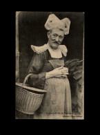 29 - PONT-AVEN - Costumes - Coiffe - La Plus Belle Fille - Travesti - Pont Aven