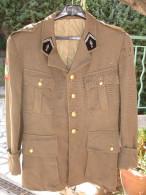 Ancienne Veste D´ Officier Des Transmissions, Ecusson In Scelus Exsurgo Sceleris Discrimania Purgo - Uniforms