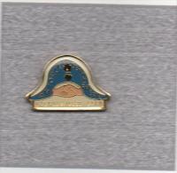 Pin�s  Amicale  Gendarmerie  BAGNOLS / CEZE, GARD  ( 30 )