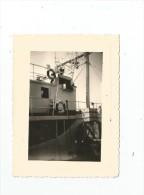 photographie , bateau , sur bou�e , identification : CALYPSO , TOULON , 10.5 x 8 , 1957