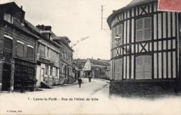 7 - Lyons La Forêt - Rue De L'hôtel De Ville , Animée - 27 - - Lyons-la-Forêt