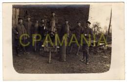 E249 - WWI - Soldats Allemands Avec Canon - Militari