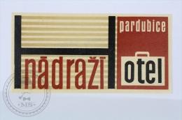 Hotel Nadrazi, Pardubice - Czechoslovakia - Original Hotel Luggage Label - Sticker - Etiketten Van Hotels
