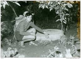 Brigitte Bardot - Ce Jeune Garçon à Découvert Le Corps De Brigitte, Après Sa Tentative De Suicide - Année 1960 - Célébrités