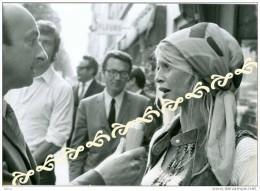 Brigitte Bardot - En Reportage ? -   Photos Originale Des Année 70 - Réf, 0042 - Célébrités