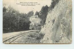 BRETTEVILLE SUR LAIZE  - Tramway Passant Dans La Vallée De La Laize, Château De Martainbeaux. (carte Vendue En L'état) - Tram