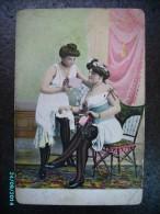 EROTIC WOMEN , LESBIAN   , OLD POSTCARD , 0 - Femmes