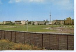 Berlin Mur : Blick Uber Die Mauer Am Potsdamer Platz Nach Ost Berlin Im Hintergrund Der Neue Ost Berliner Fermsehtum - Altri
