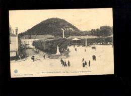 BRUYERES EN VOSGES 88 : La Place Stanislas Avec Son Kiosque à Musique  Et Le Mont Avison - Bruyeres